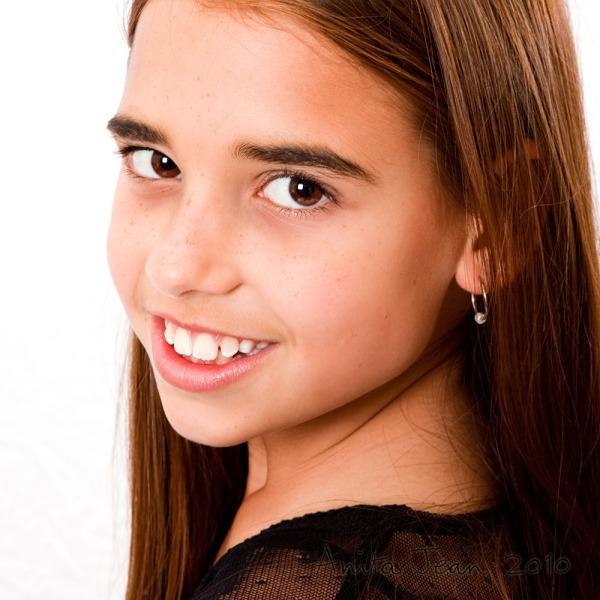 3/4 portrait of Amy