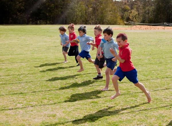 year one boys running race